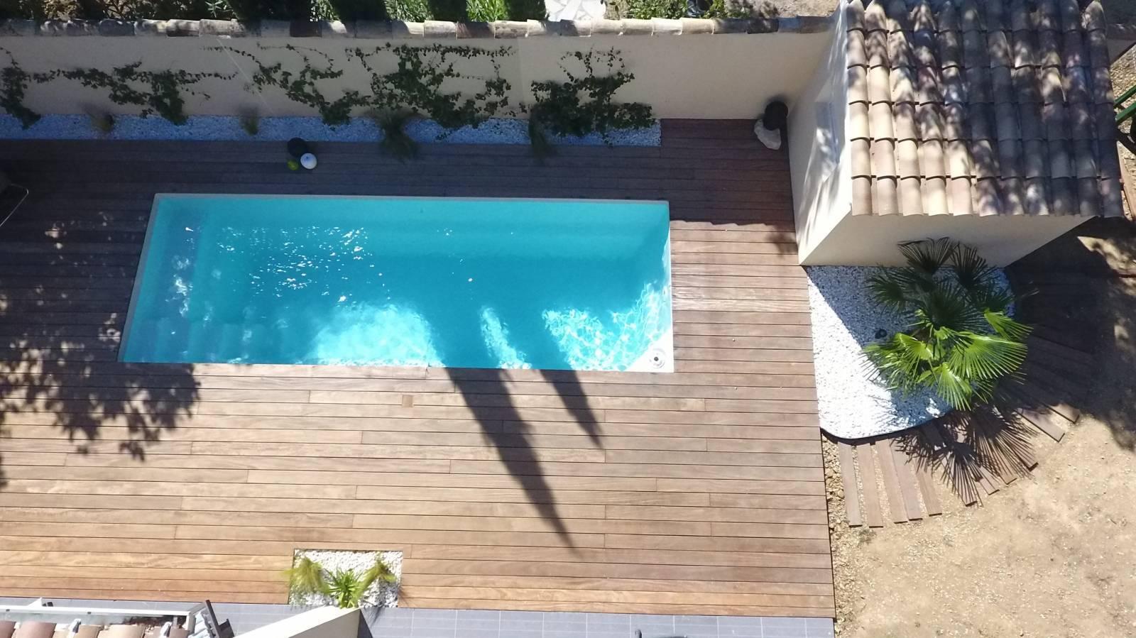 Piscine coque polyester mod le starlite xxl alliances - Renovation piscine coque polyester ...